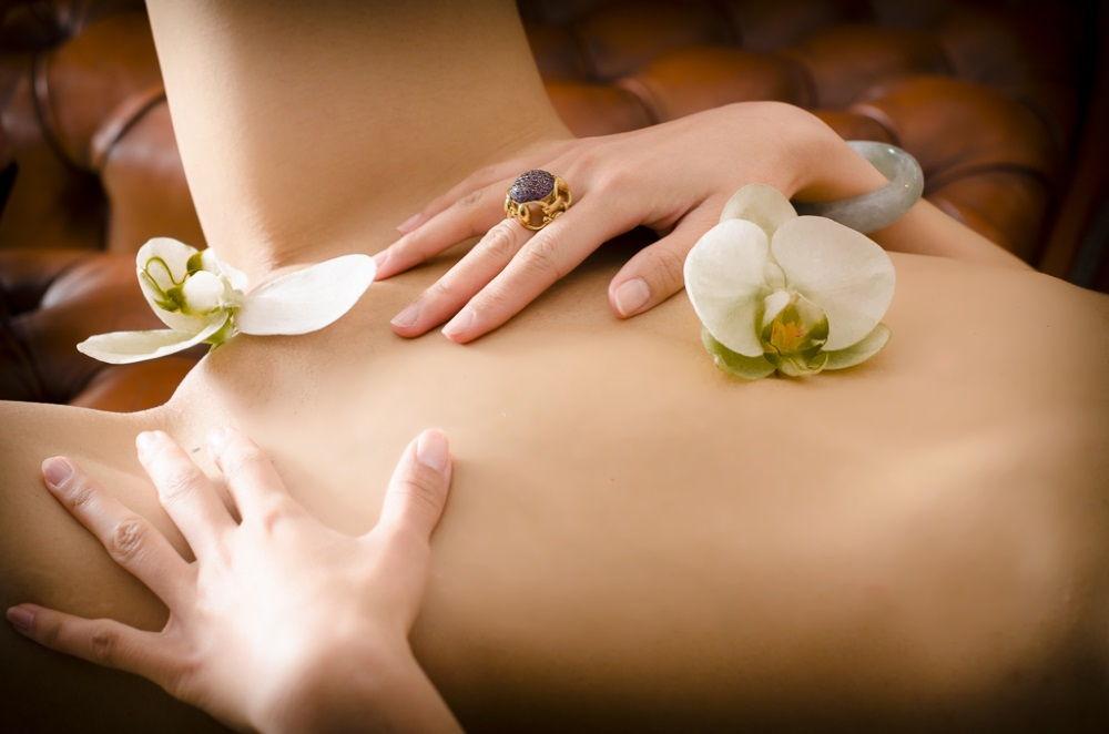 erotische fotographie dominante massage berlin